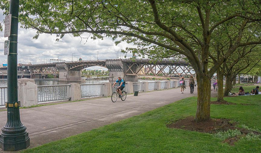 news portland bridge biker